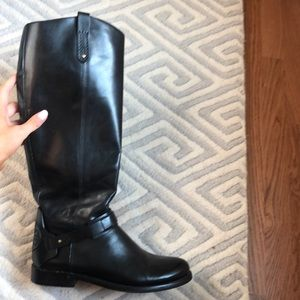Beautiful Tory burch riding boots size 9